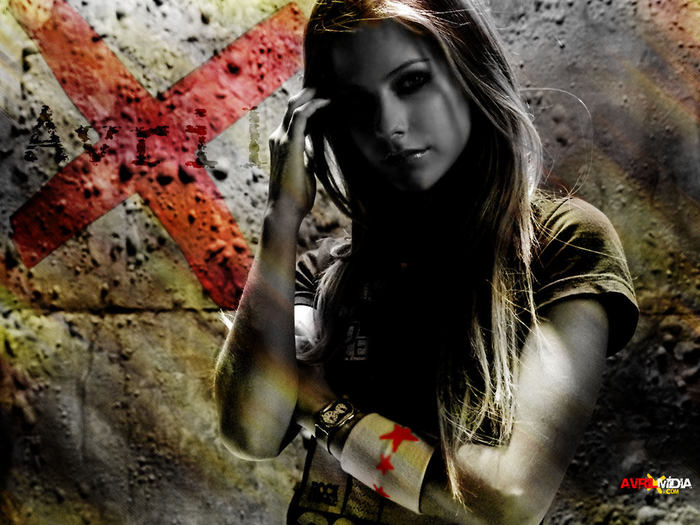 13497439_Avril_Lavigne6 (700x525, 82Kb)