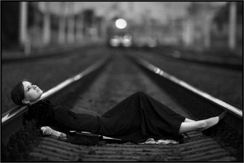 картинки грустные черно белые
