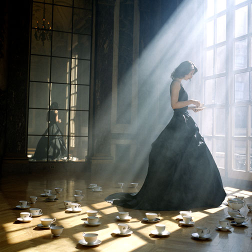 Фото девчонок через окно 22 фотография