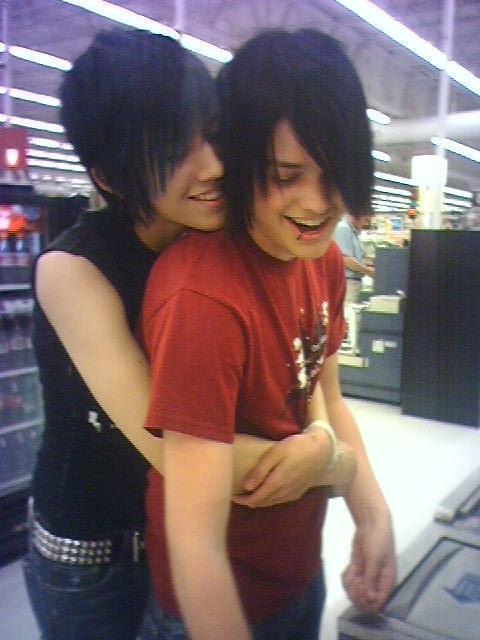 фото мальчиков эмо с челкой: