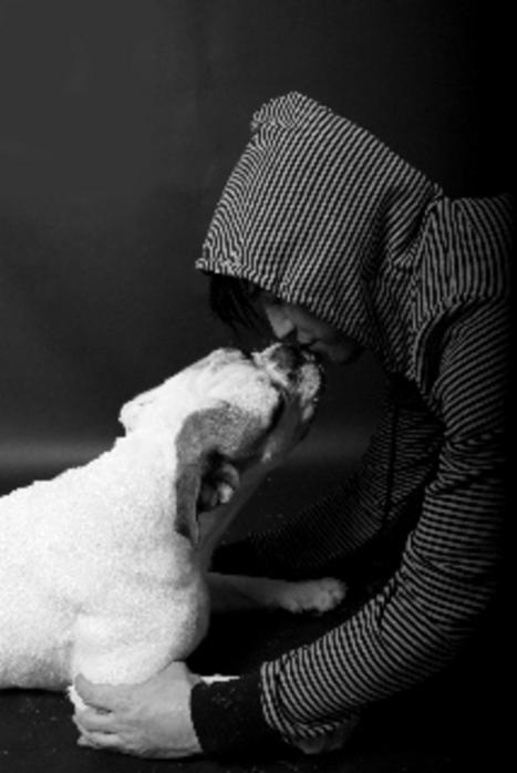 Jembrasse_mon_chien_sur_la_bouche (467x698, 82Kb)