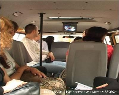 Горожане жалуются, что с каждым днем ездить в маршрутных такси становится дороже.  В Киеве - на 25 коп.