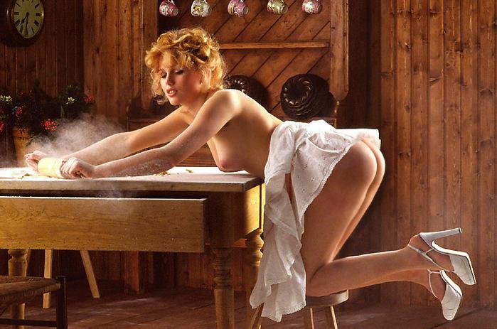 голые женские пирожки фото