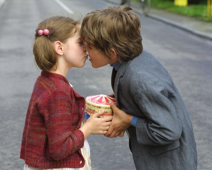 Как сделать чтобы он меня поцеловал