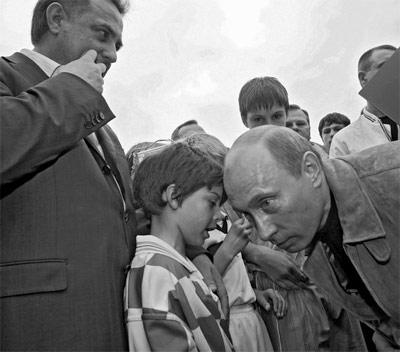 Неудачные фотки Путина (400x352, 30Kb)