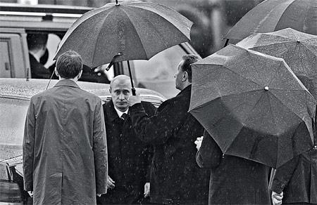 Неудачные фотки Путина (450x292, 45Kb)
