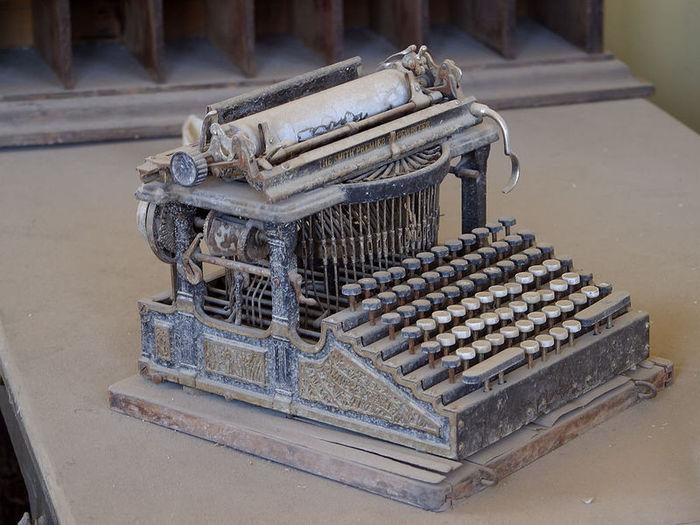 Печатная машинка Смит Премьер (англ (700x525, 80Kb)