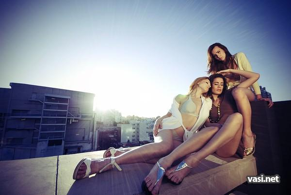 Девушки в красивых позах смотреть онлайн фотоография