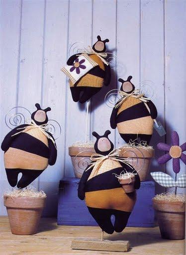 Тильдовские игрушки своими руками - тильды пчела и гусята, заяц, кот - выкройки.