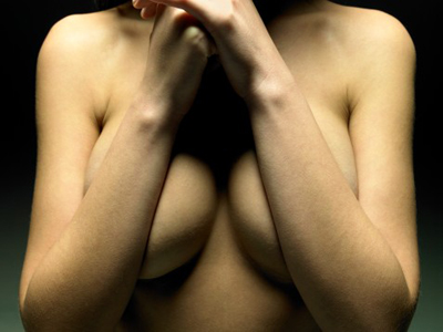 О чем расскажет форма груди?