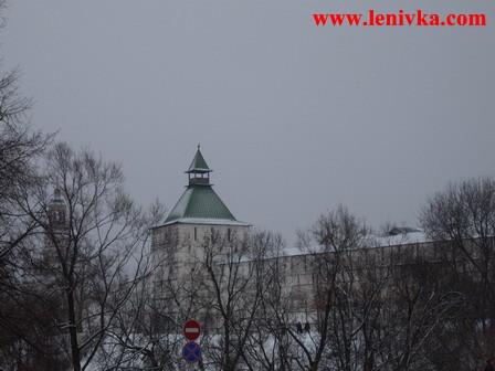 Троице-Сергиева Лавра: монастырская стена и башня