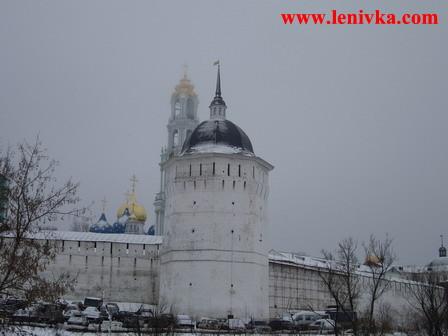 Троице-Сергиева Лавра: башня, собор и колокольня