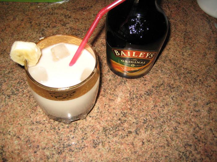 В этом году открыла для себя новый спиртной напиток - ликер БЕЙЛИС.