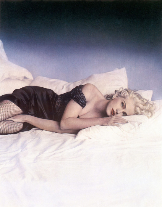 http://img1.liveinternet.ru/images/attach/b/3/13/892/13892230_Madonna_4.jpg