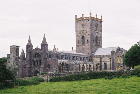 St Davids Cathedral (597x400, 35Kb)