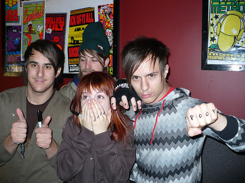 Haha_i_luv_this_pic_of_Paramore--large-msg-119774916267 (500x375, 166Kb)