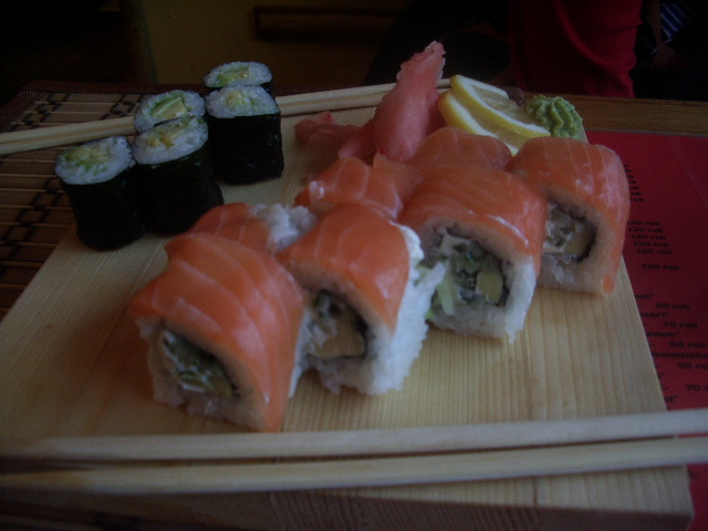 В голове любителя суши обнаружили тысячи глистов.