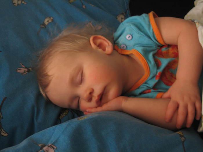 спящие дети картинки