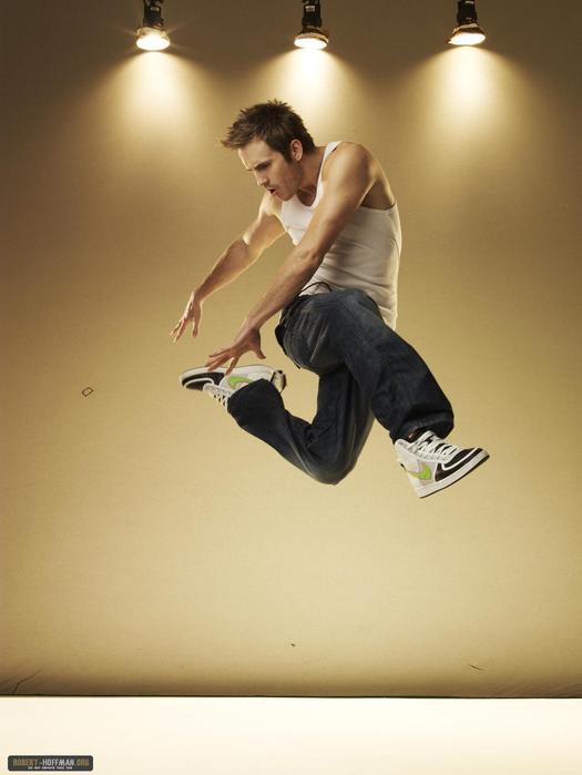 На этой страничке можно найти прикольные фотографии танцоров стиля Хип-хоп и просто картинки, связаные с хип хопом.