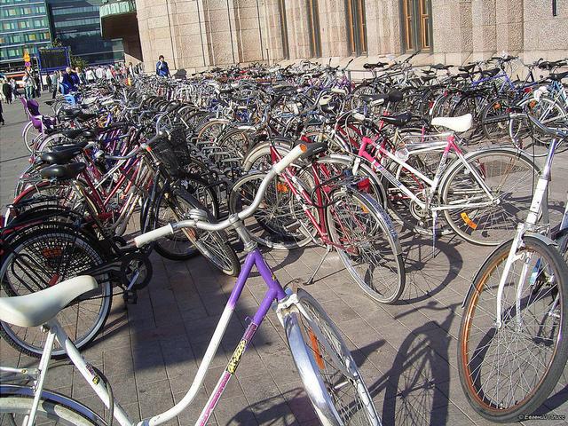 Вот так в Хельсинки хорошо с велосипедами. Фото Евгения Плисса