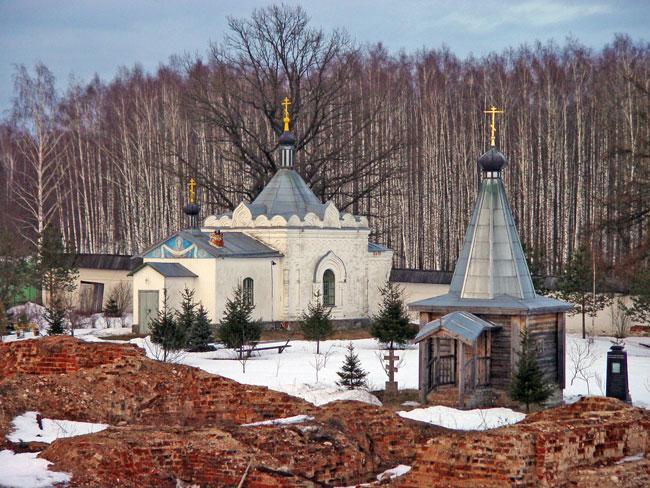 окрестности монастыря