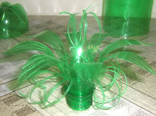 Recycling plastic bottles making flowers crafts ideas crafts for kids - Plastic bottles recycling ideas boundless imagination ...