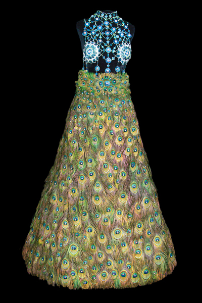 Платья из бисера - красота или вызов?