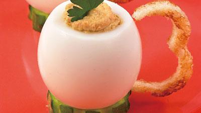 """""""Чашечки"""" из яйца"""