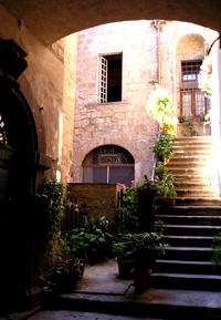 и дворики, и лестницы ...