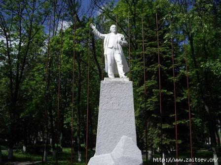 Ленин на улице Ленина в Королеве