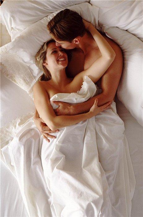 фото молодежи в постели