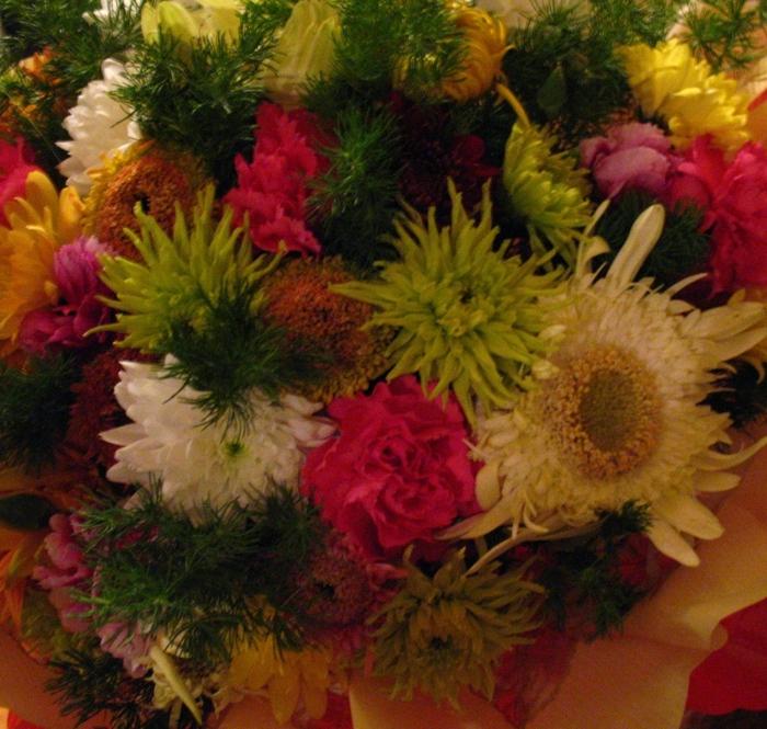 скромный букет цветов