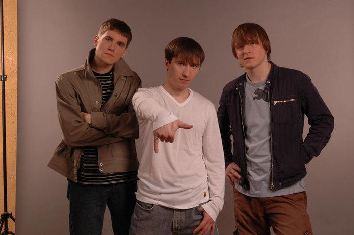 Ритм-секция группы нашлась в Москве довольно неожиданным образом, что...