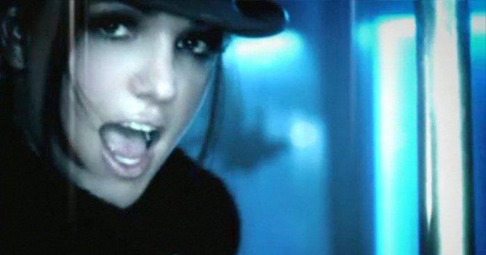 1191667945_GimmeMoreSC_BritneyFanClub_org__03 (699x367, 27Kb)
