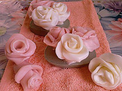 Мастер-класс от Рябины.  Автор работ Ryabina c Избушки.  Из обычного детского мыла можно сделать вот такие прекрасные...