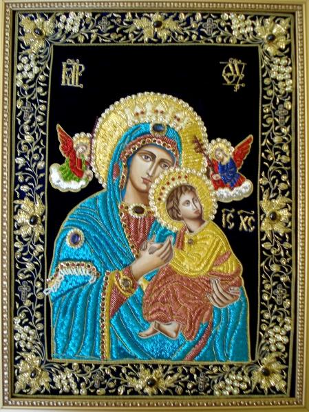 Икона Божьей Матери 'Всепомогающая' - Золотое Шитье.