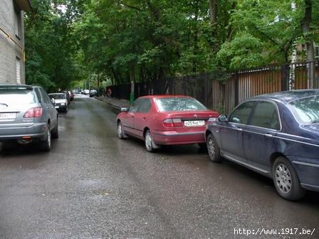 Москва: ДТП во дворе
