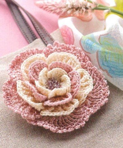 42. Цветок связан крючком.  Он пригодится Вам для различных вязаных...  Розочки для декора - Тортики - Лимонный .