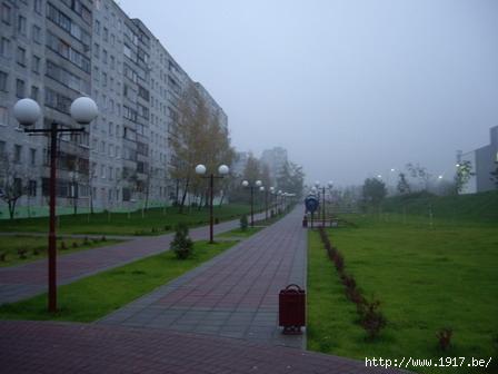 Бульвар около магазина ГиперГлобус в Щелково
