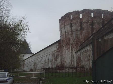 Стены и башни Новоспасского монастыря