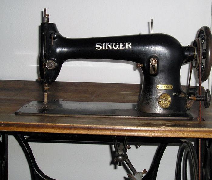 Швейная машинка зингер!