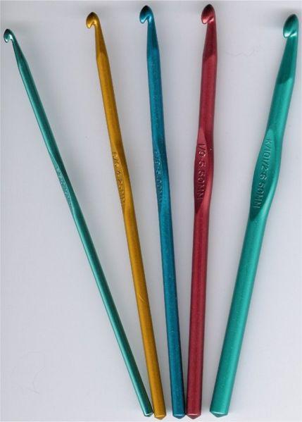 """Сьюзи Джонс.   """"Вязание крючком для начинающих """" pdf, 2008."""