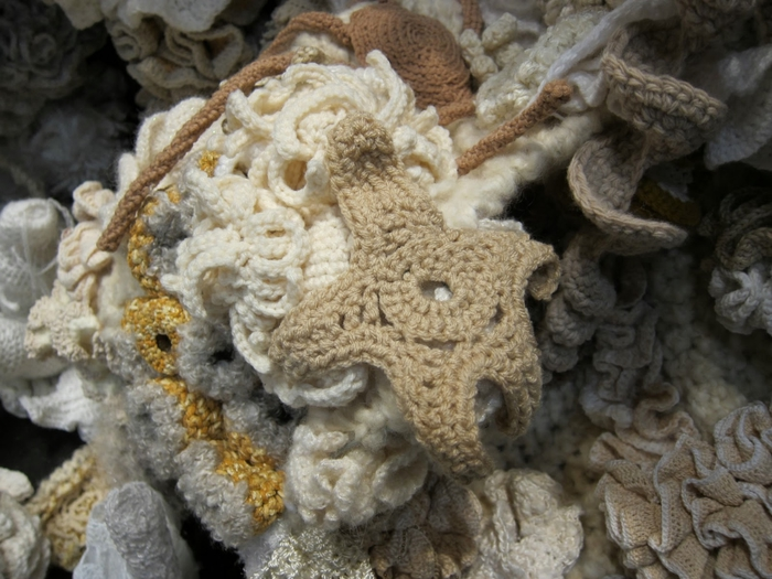 Crochet+Coral+Reef+7 (700x525, 275Kb)