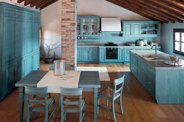 12c11__Eye-Catching-Blue-Classic-Kitchen-Set-Design (640x426, 196Kb)