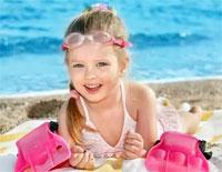 ребенок на пляже/4348076_rebenoknaplyaje (200x155, 11Kb)