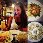 Очередной наш ужин. Морские гребешКи и салат из лотоса.