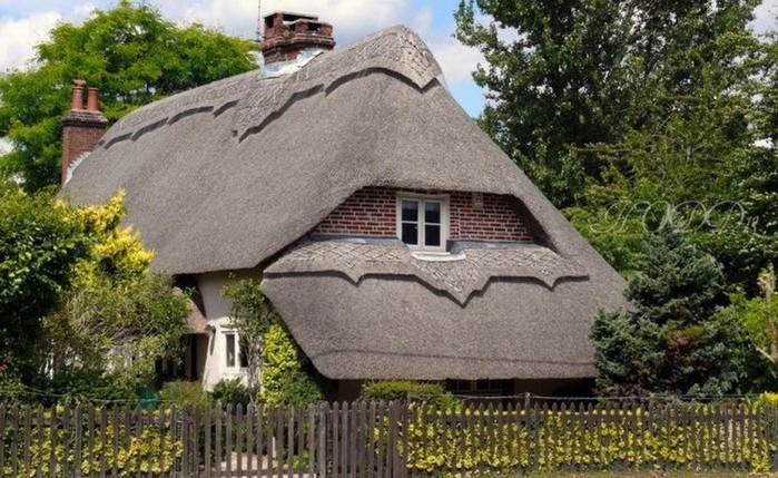 Красивые крыши английских домов/2822077_Krasivie_krishi_angliiskih_domov_1 (700x429, 123Kb)