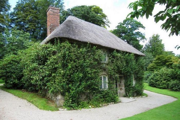 Красивые крыши английских домов/2822077_Krasivie_krishi_angliiskih_domov_10 (700x467, 125Kb)