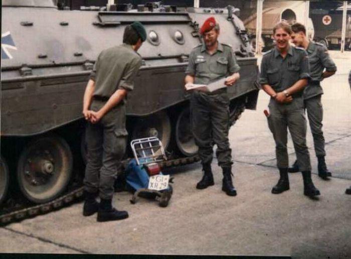 1311602196_hilarious_army_photos_17 (700x516, 170Kb)