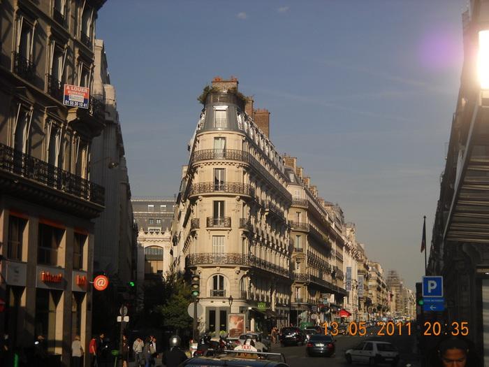 Париж 2011 (700x525, 136Kb)